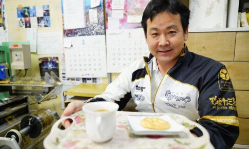 「新垣カミ菓子店」伊波元丸さん / 那覇市首里赤平町|このまちで生きる人 インタビュー