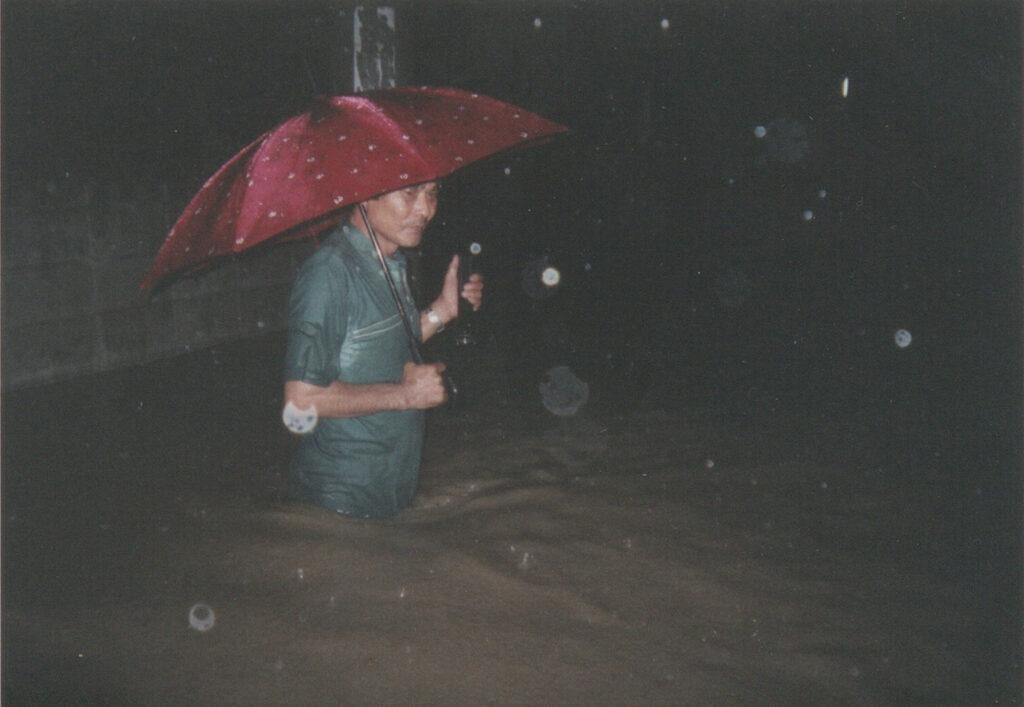 大雨のたびに洪水を引き起こした饒波川。かつて、川沿いは田んぼだった。 / 南城市 旧大里村南風原(その2)|おきなわアーカイブ