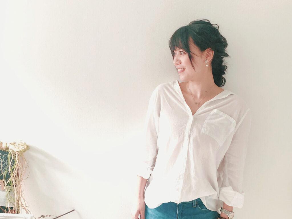 プロフィール画像の撮影におすすめ!「The HOUSE beauty studio」 浦添市牧港 外国人住宅サロン/ CELEBRATIONS maki   Beauty Studio