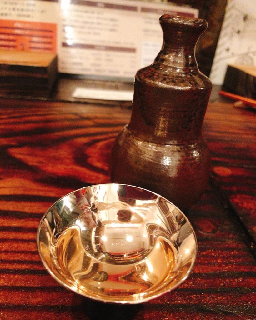 泡盛をやちむんで楽しめる『オニノウデ』|那覇市壺屋/ CELEBRATIONS maki