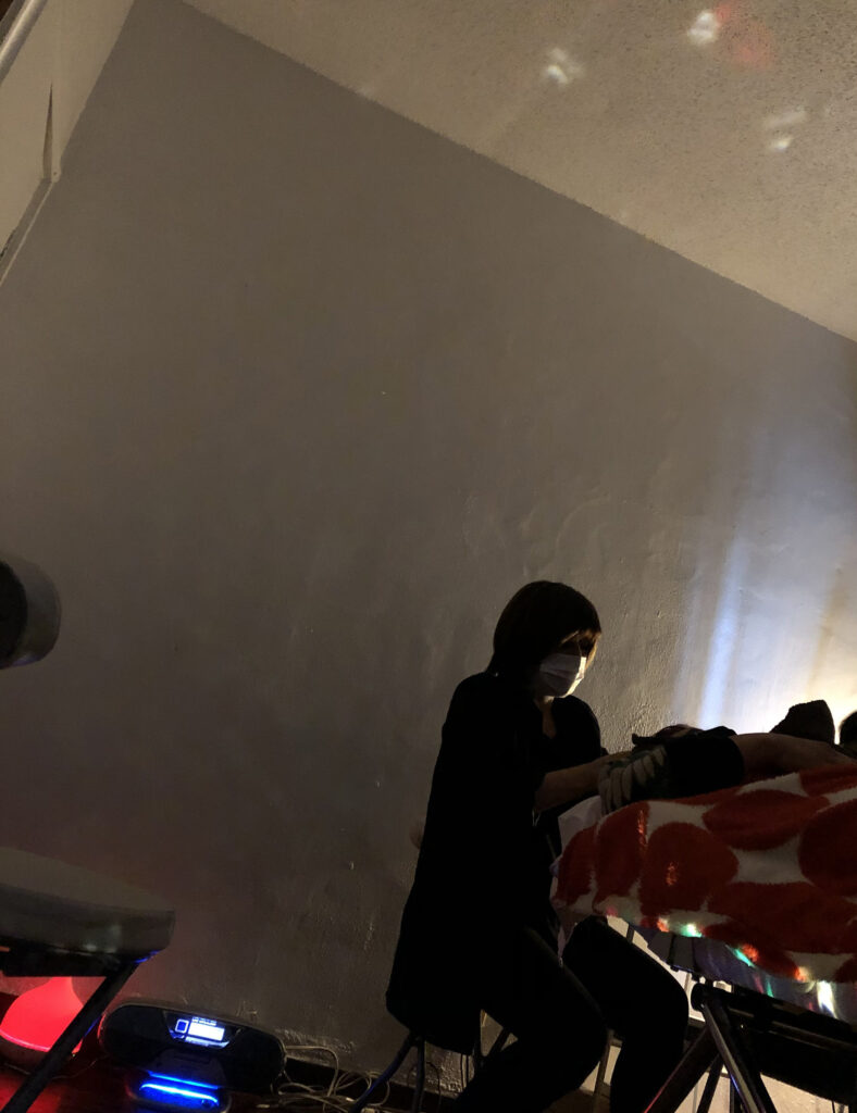 コロナ禍の疲れを癒す極上の60分!『Artist salon』のヘッドデコルテマッサージ|浦添市牧港 外国人住宅サロン/ CELEBRATIONS maki