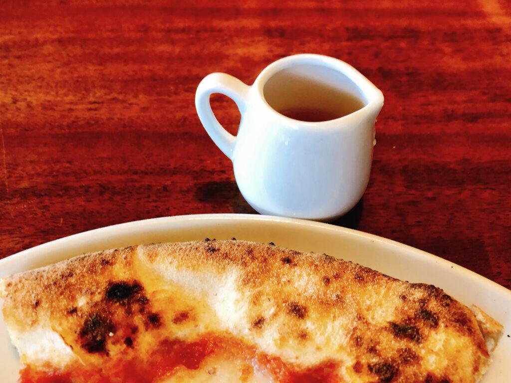 『pizzeria da ENZO』薪窯で焼く本格ナポリピッツァと絶景ロケーション! 国頭郡恩納村字真栄田 / CELEBRATIONS maki