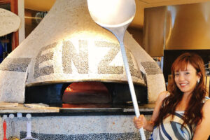 『pizzeria da ENZO』薪窯で焼く本格ナポリピッツァと絶景ロケーション!|国頭郡恩納村字真栄田 / CELEBRATIONS maki